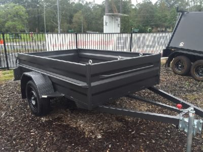 8x5 Box with Tie Downs